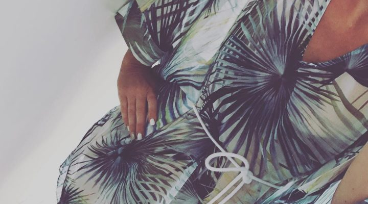 ~ vi vi ha solen tillbaka ~ Helt underbar tunika/kaftan från Twist 999kr Bär den med bara ben eller ihop med byxa en kväll 💙 Idag laddar jag och Ida för en rolig lördag. Vi finns och hjälper gärna till med er sommargarderob ☀️ #butikperochlisa #habo #jönköping #twistandtango #pingstafton